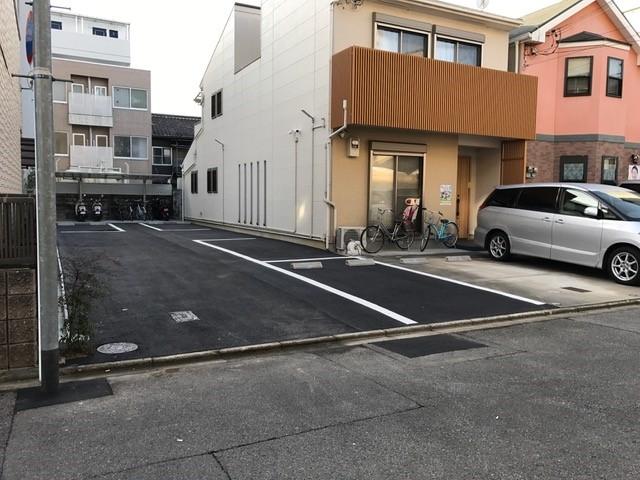 駐車場4台
